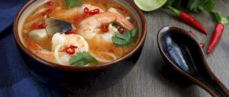 Доступные рецепты приготовления супа Том Ям и сосисок в тесте